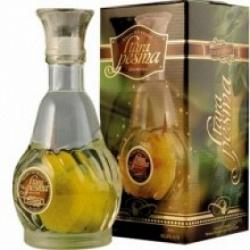 Williams Pear Brandy Old Song with Ripe Pear